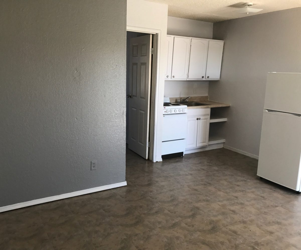 Apartments Near Me Based On Income: Harris Place Apartments 43 N. Harris Drive Mesa, AZ 85203